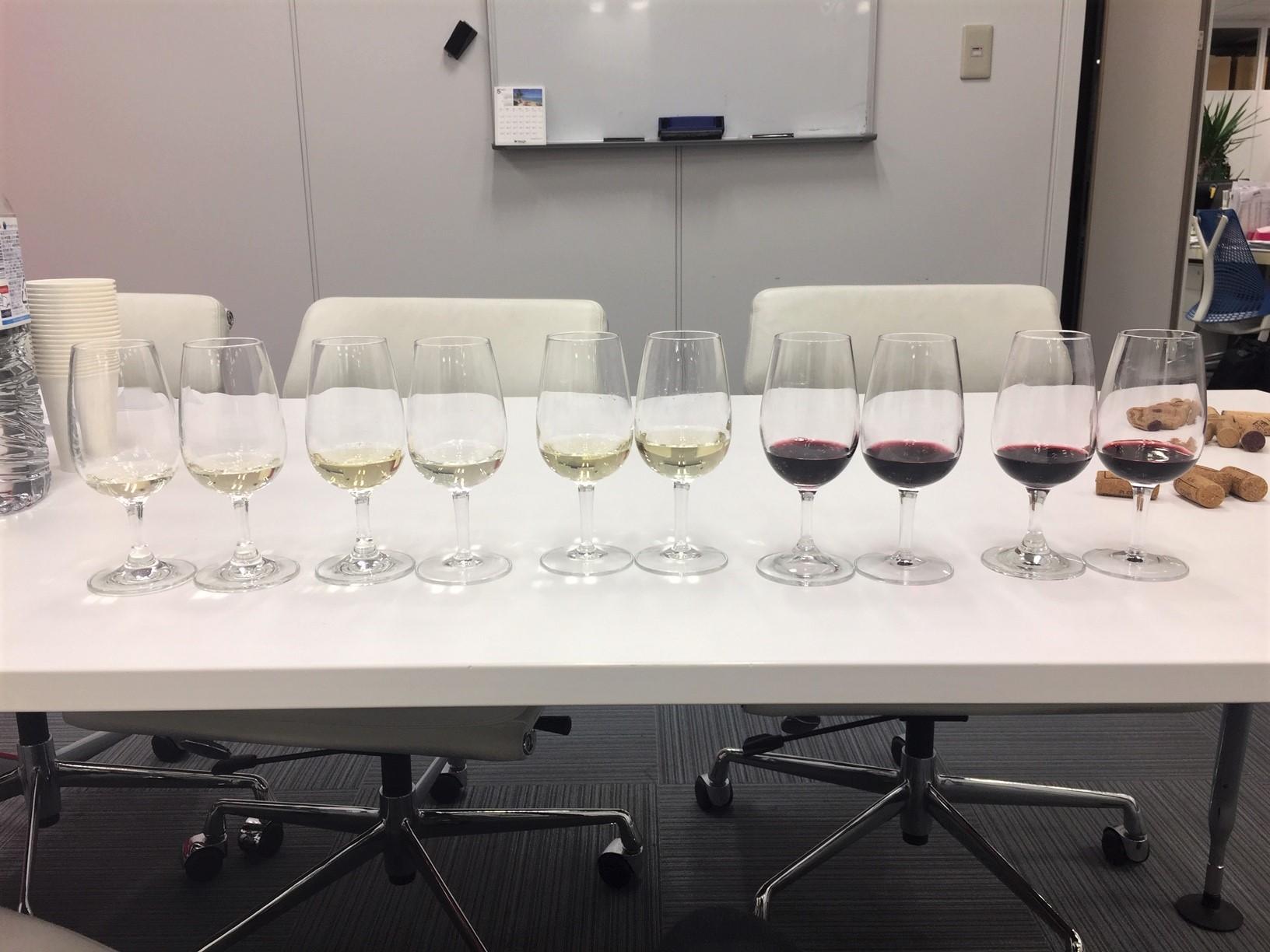 *各ワインの色調の比較
